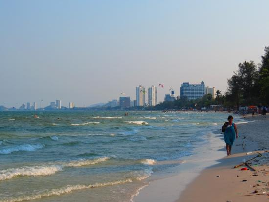 โรงแรม เฟรช อินน์: Only a 5 minute walk to the Beach