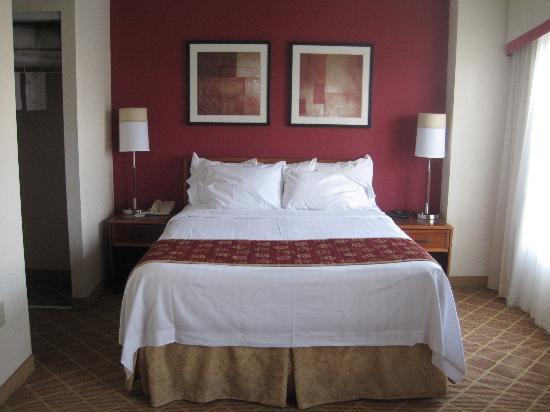 Residence Inn Alexandria Old Town/Duke Street: Clean bed, good sleep