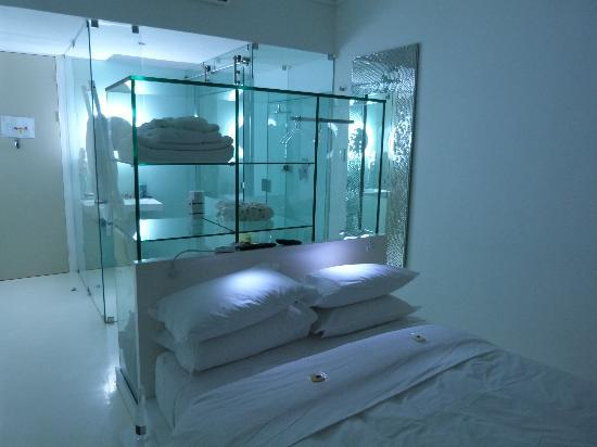 """Alpine Attitude: """"transparent room"""""""