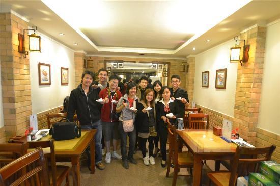 هانوي جيست هاوس: birthday party inside the guesthouse dining room