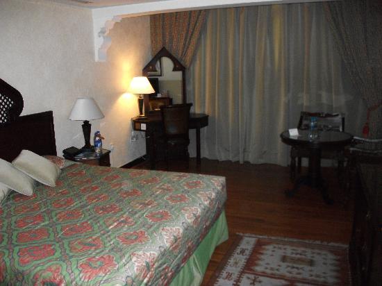 Arabian Courtyard Hotel & Spa : Zimmer