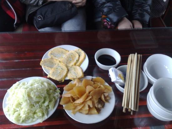 Hanoi Ocean Hotel: repas pour 6 sur le bateau Baie de Halong