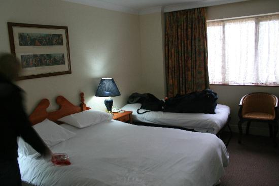 Royal Court Hotel - Coventry: Our room on the ground floor