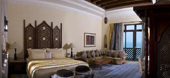 Jumeirah Mina A'Salam: Royal Suite Master Bedroom