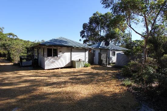 Cape Howe Cottages: Kings Den - Rear view of the 2 pods