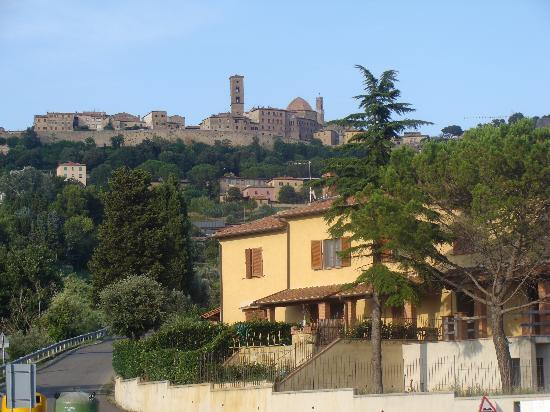 Villa Rioddi: look on volterra