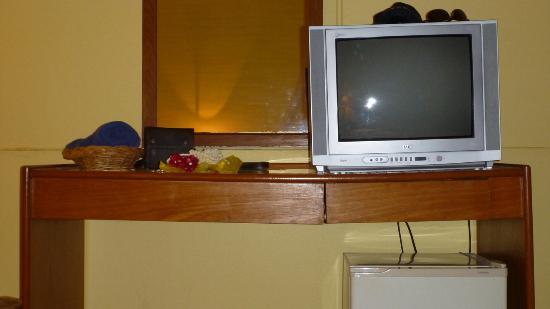 Riviera Resort Pattaya: TV TAble... (standard room)