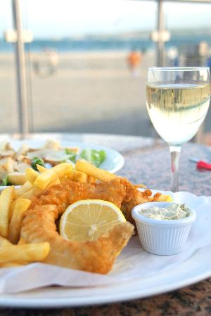 Sandbanks Beach cafe: Yummy Fish and Chips in a great location