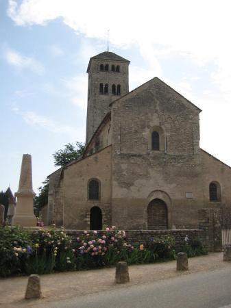 Le Saint Martin: View on the Church