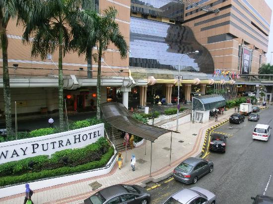 The main entrance - Picture of Sunway Putra Hotel, Kuala
