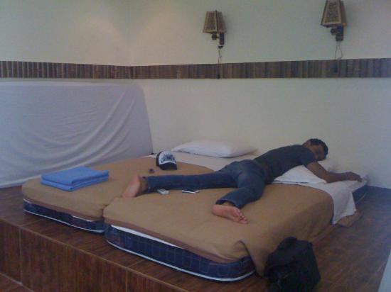 Sepa Island Resort Hotel: Basic bedroom