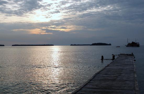 Sepa Island Resort Hotel: Evening view