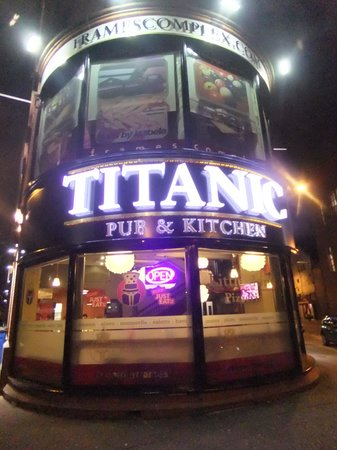 ‪Titanic Pub And Kitchen‬