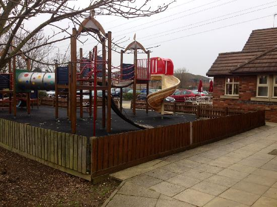 Premier Inn Northampton Bedford Rd/A428 Hotel: Lakeside Play area