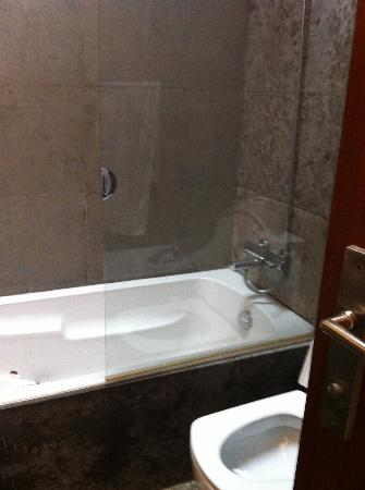 Bath/Shower and Toilet