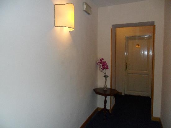 Piccolo Hotel: Corridoio
