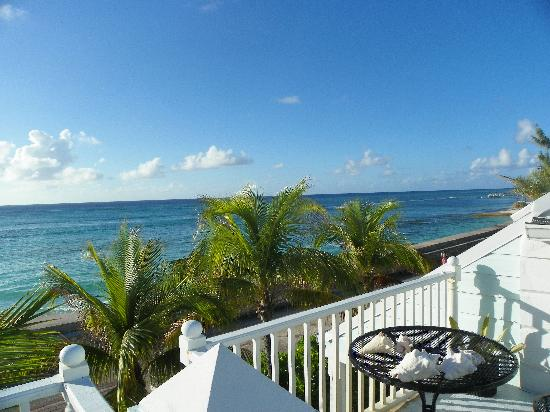Grand Turk Inn: The view from sundeck
