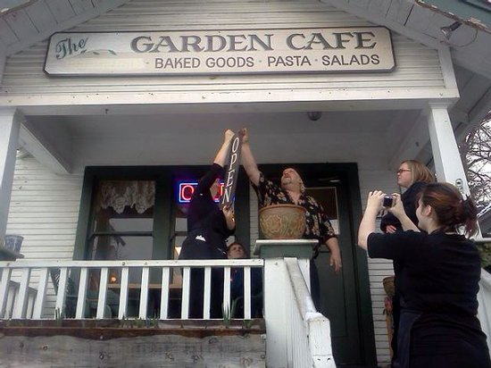 The Garden Cafe: THE OFFICIAL