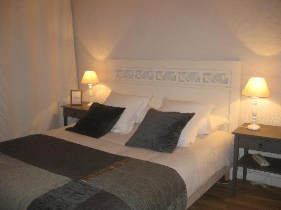 Hotel de L'Amphitheatre : chambre simple