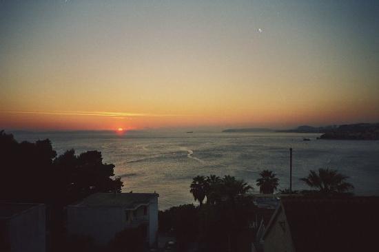 Pink Inn: sunset view