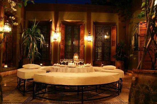 Dar Ayniwen Villa Hotel: Mucha terrace