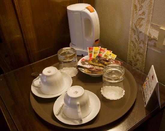 Hotel Agli Alboretti: bollitore