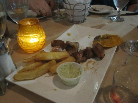El Tropico Cuban Cuisine : Appetizer with the awesome pork!