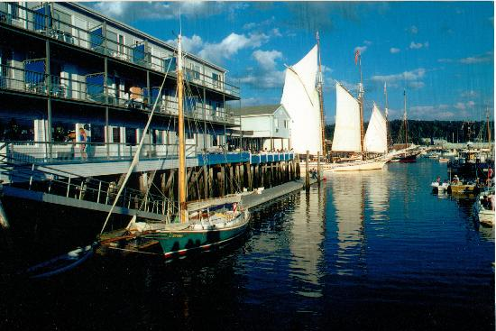 Fisherman's Wharf Inn