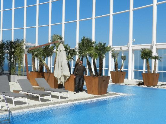 Four Seasons Hotel Beirut: The Swimmng Pool- Outdoor