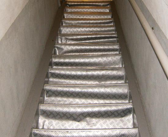Hotel Croydon: stairs