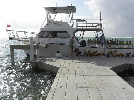 Pirates Point Resort: Yellow Rose Dive Boat