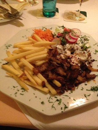 Uzun's Restaurant: Hungry?
