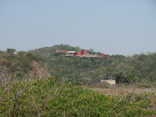 Costa Careyes: Vista del Hotel villa Paraiso en zona de Creyes