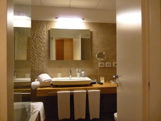 bagno - Picture of Eureka Palace Hotel Spa Resort, Syracuse ...