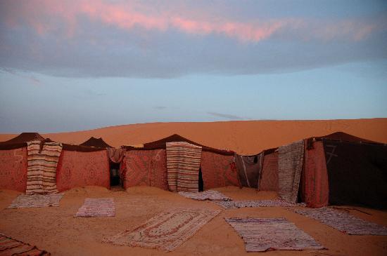 Palais des dunes: tende del bivacco