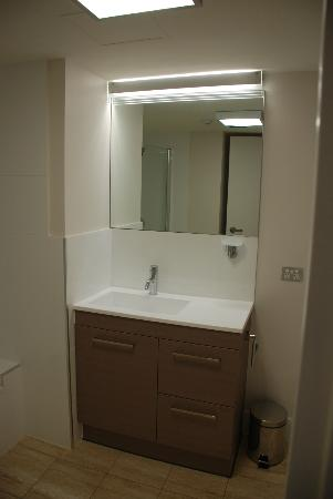 Palmerston Tower Apartments: Vanity main bathroom
