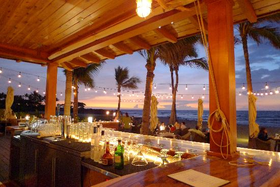 Four Seasons Resort Hualalai: Sunset at the Residents' Beach House