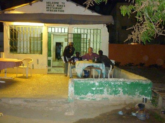 Uncle Nuha's African Restaurant: Not The Ritz