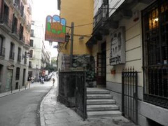 El Escarpin: on the street