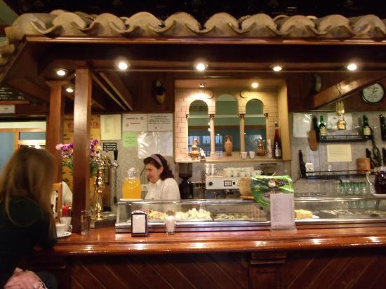 El Escarpin: at the bar