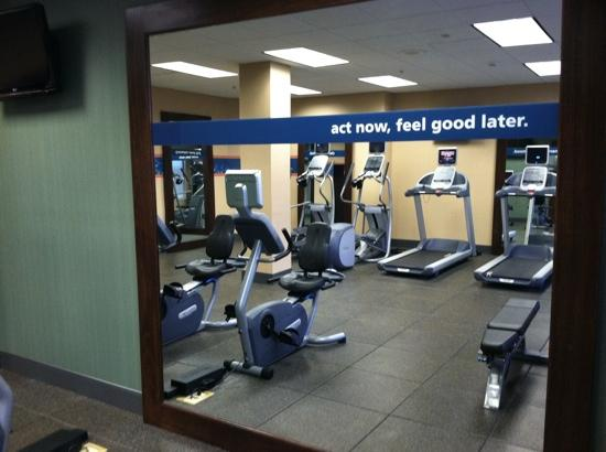 Hampton Inn White Plains / Tarrytown: fitness center. act now, feel good later.