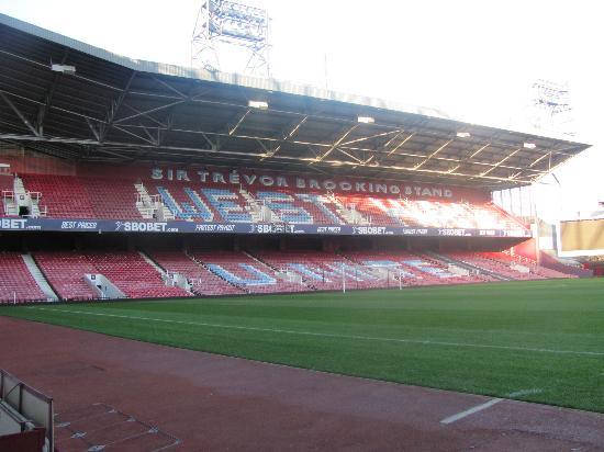 West Ham United Hotel: Pitch side tour