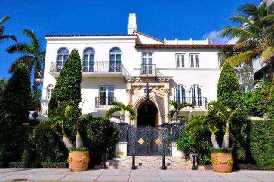 Versace mansion picture of all about miami tours miami for Versace mansion miami tour
