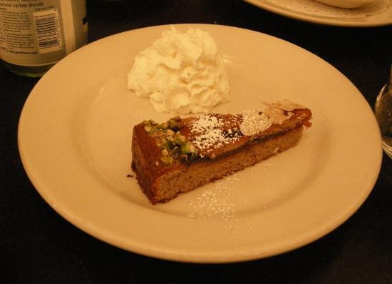 Blaue Gans : Hazelnut Torte