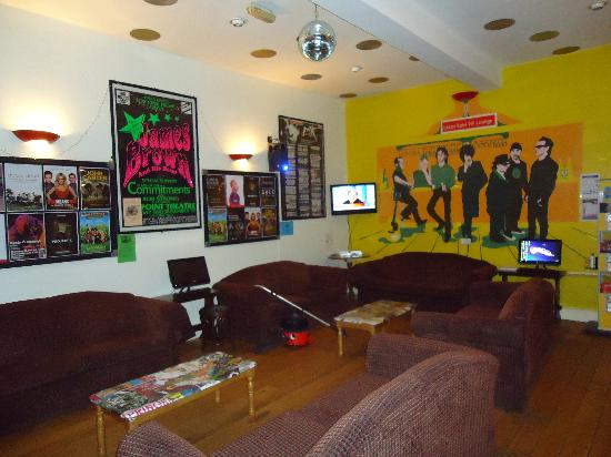 Sky Backpackers: The common room