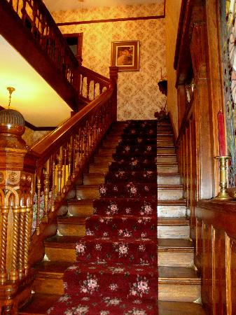 Rocking Horse Manor Bed and Breakfast: Main staircase