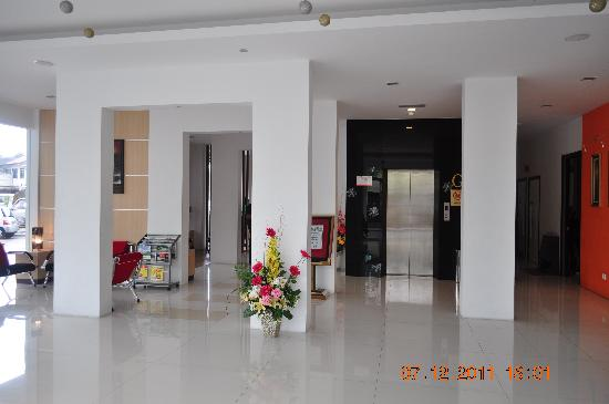 Dorset Boutique Hotel, Kuching: Lobby lift