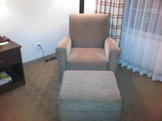 Country Inn & Suites by Radisson, Calgary-Airport, AB: Seating area