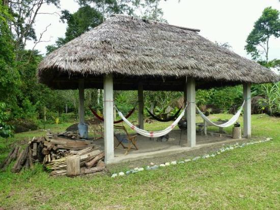 Banana Lodge: das Haus fuer das Lagerfeuer