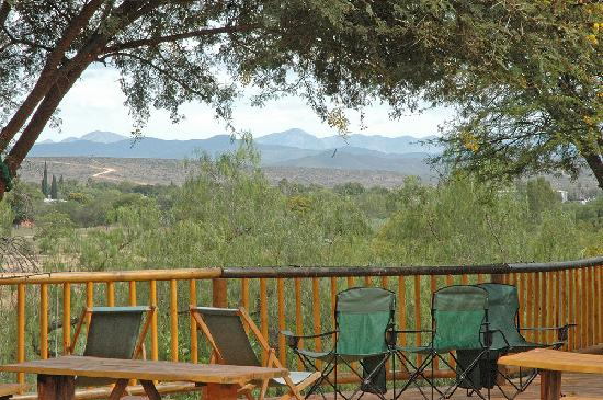 Riverside Guest Lodge: Enjoy our famous cheeseboards and wine on the deck overlooking the river and mountains